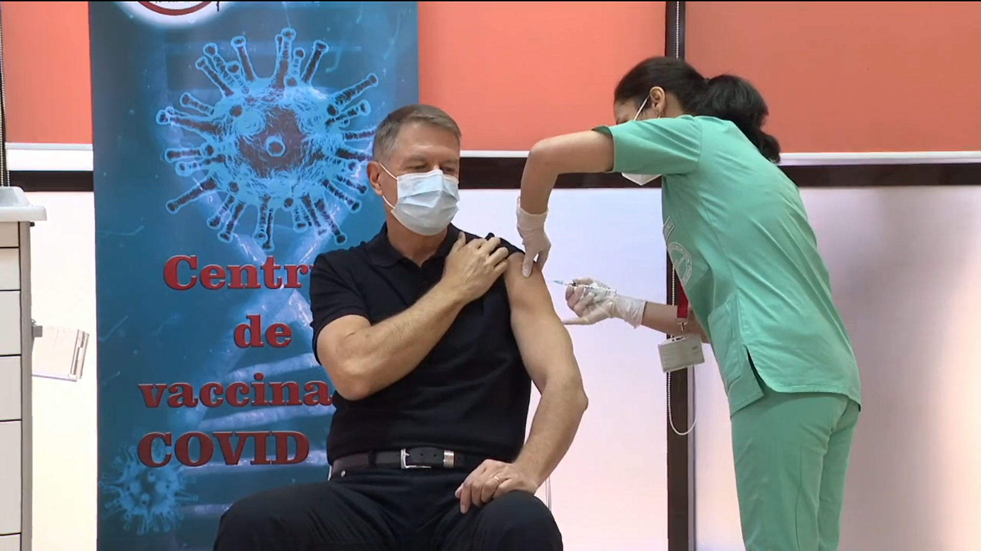 VIDEO Iohannis s-a vaccinat anti-COVID