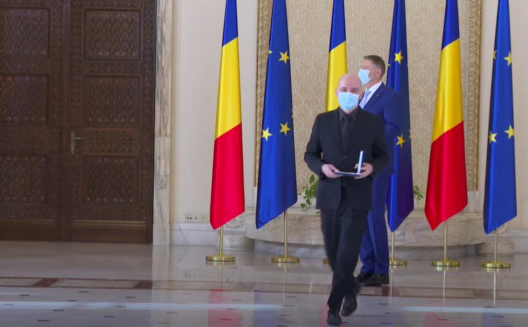 """Președintele Iohannis a ridicat Filarmonica de Stat din Sibiu la gradul de Comandor. """"Prin eforturile și dăruirea dumneavoastră, muzele nu au tăcut"""""""