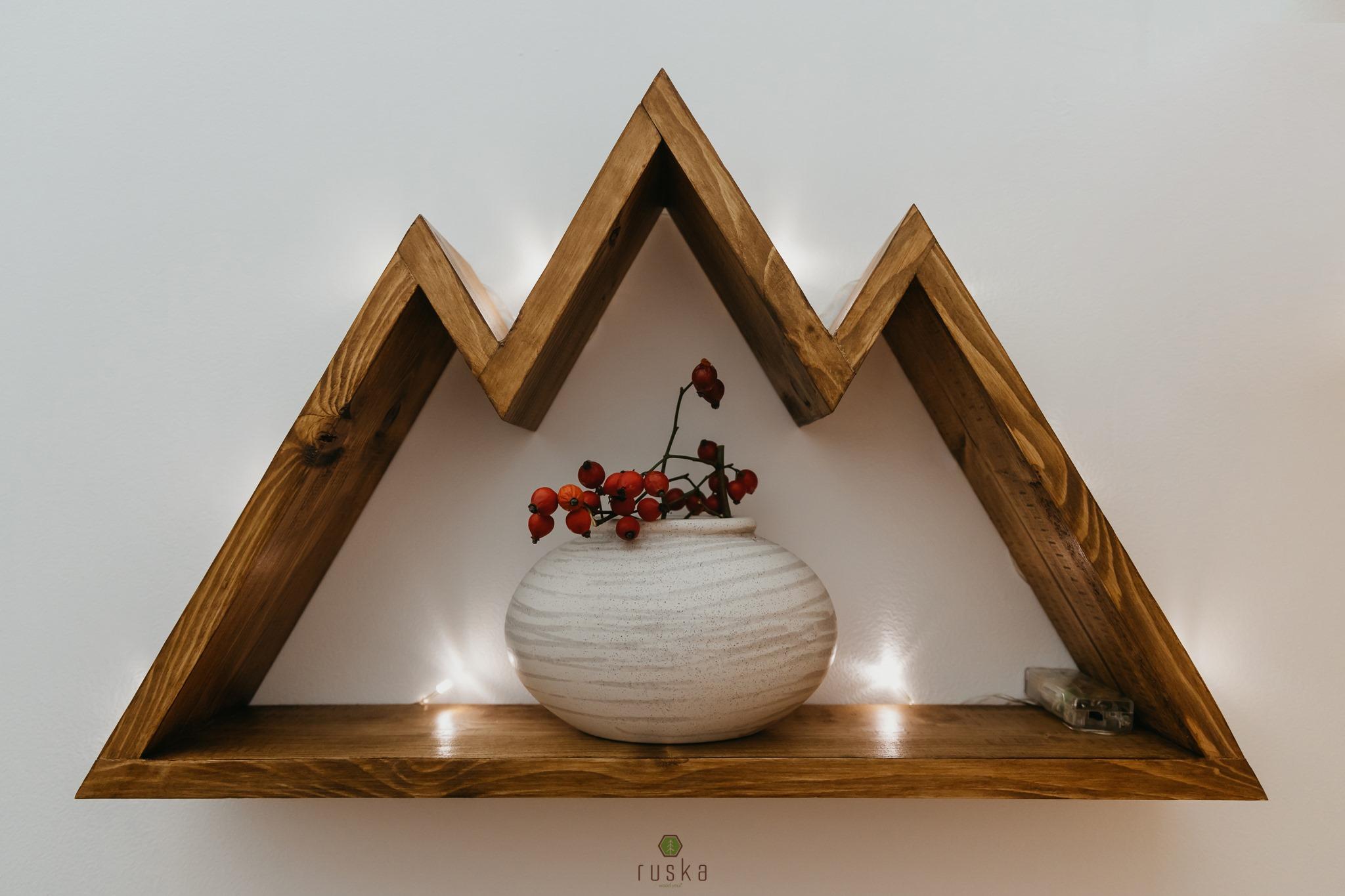 """Un sibian a creat o afacere după ce și-a redecorat casa, în 2020. """"Ruska s-a născut din pasiunea pentru lemn"""""""