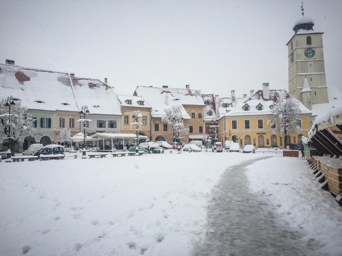 Incidența scade în județ, dar crește în municipiul Sibiu. Situația în fiecare localitate