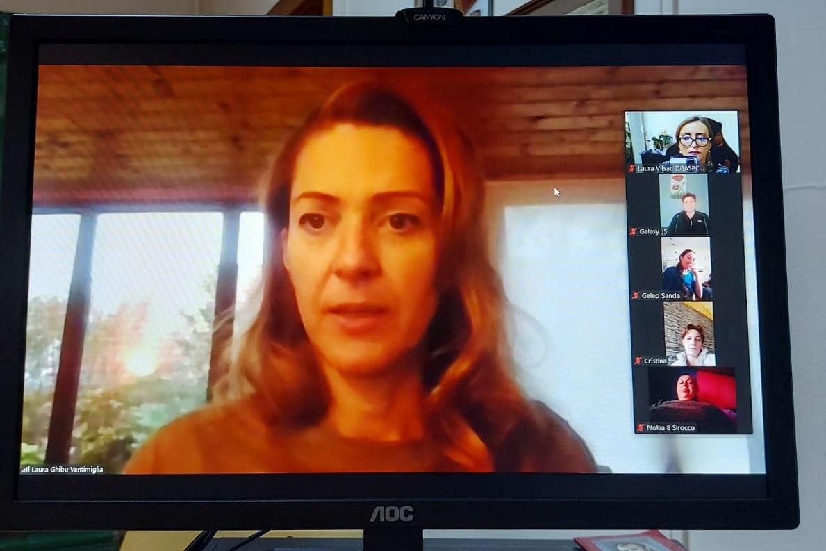 Întâlnire on line între angajații DGASPC și Laura Ghibu, medicul din Suedia, după ce aproape jumătate dintre aceștia refuză să se vaccineze