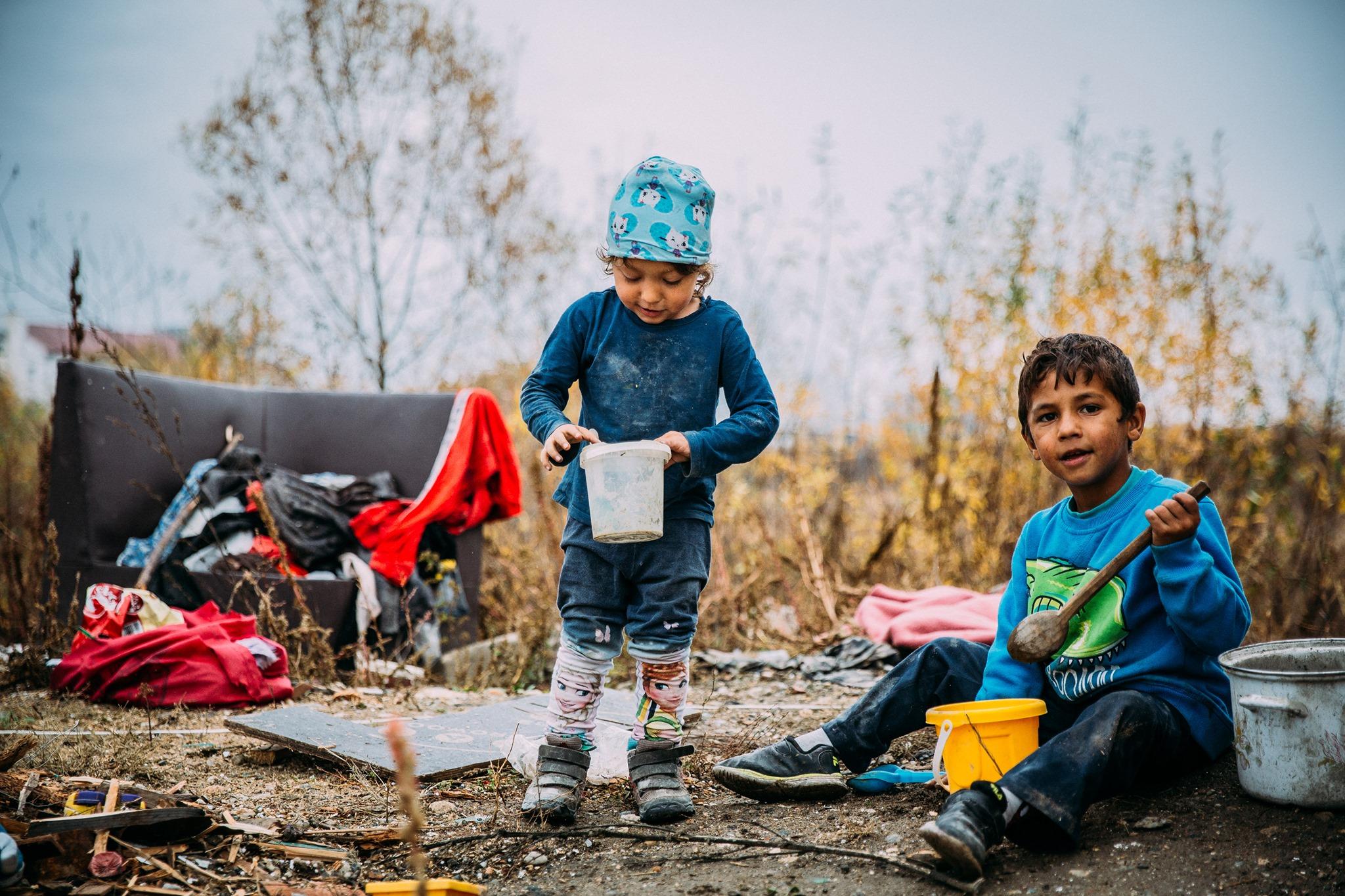 O activistă din Germania strânge bani pentru copiii fără părinți și familiile nevoiașe, din Sibiu