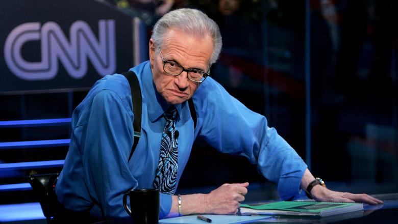 A murit Larry King, cunoscutul realizator TV american. Avea Covid-19