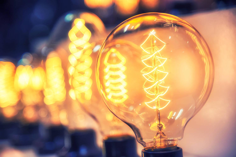 ANRE prelungeşte până la 31 martie perioada în care pot fi încheiate contracte la energie pe piaţa concurenţială
