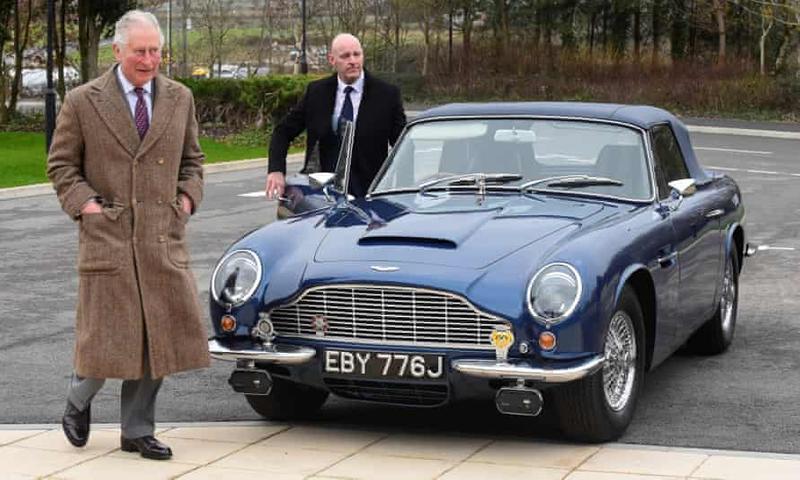 Mașina Aston Martin a prințului Charles merge cu derivate din brânză și vin