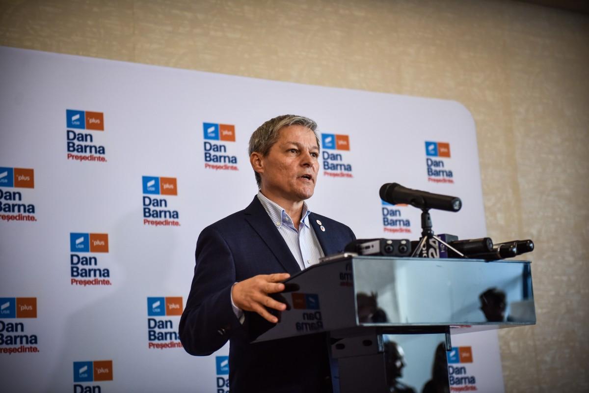 VIDEO Cioloş: Cine îşi va asuma guvernarea în următoarele săptămâni şi luni va face un sacrificiu