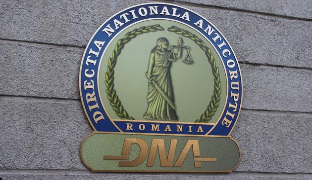 DNA: Deputatul Cosmin Şandru, urmărit penal pentru dare de mită cu privire la moţiunea de demitere a Guvernului