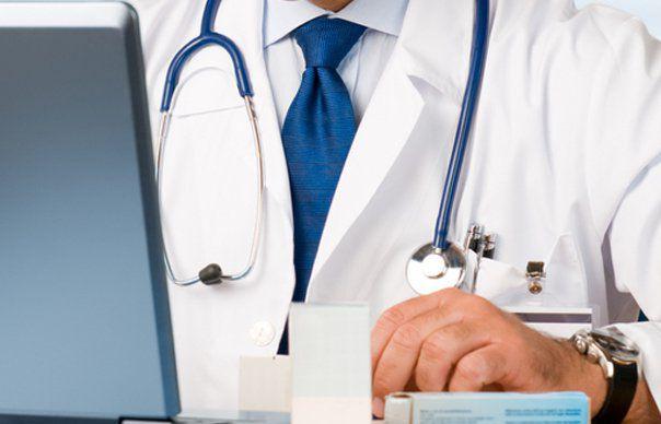 Un medic de familie a reușit să programeze peste 800 de sibieni la vaccinare