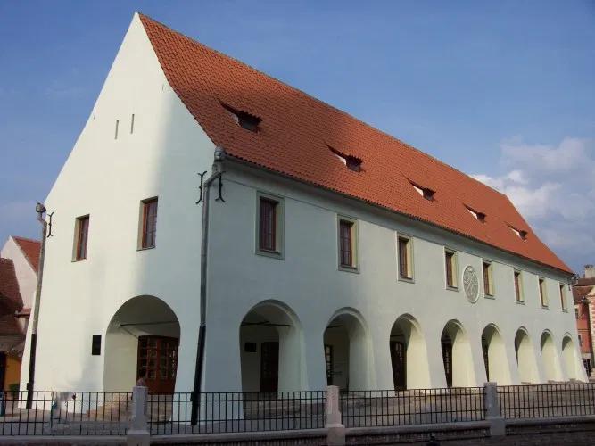 Un milion de euro pentru restaurarea unui monument de 234 de ani din centrul Sibiului: Casa Artelor
