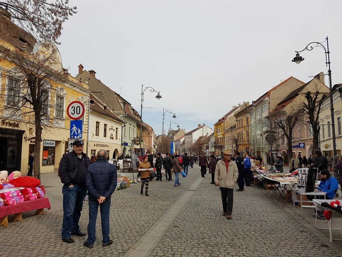 """De unde cumpărăm mărțișoare handmade anul acesta. """"Vom fi prezenți peste tot - Bălcescu, Piața Mică și chiar și în online"""""""