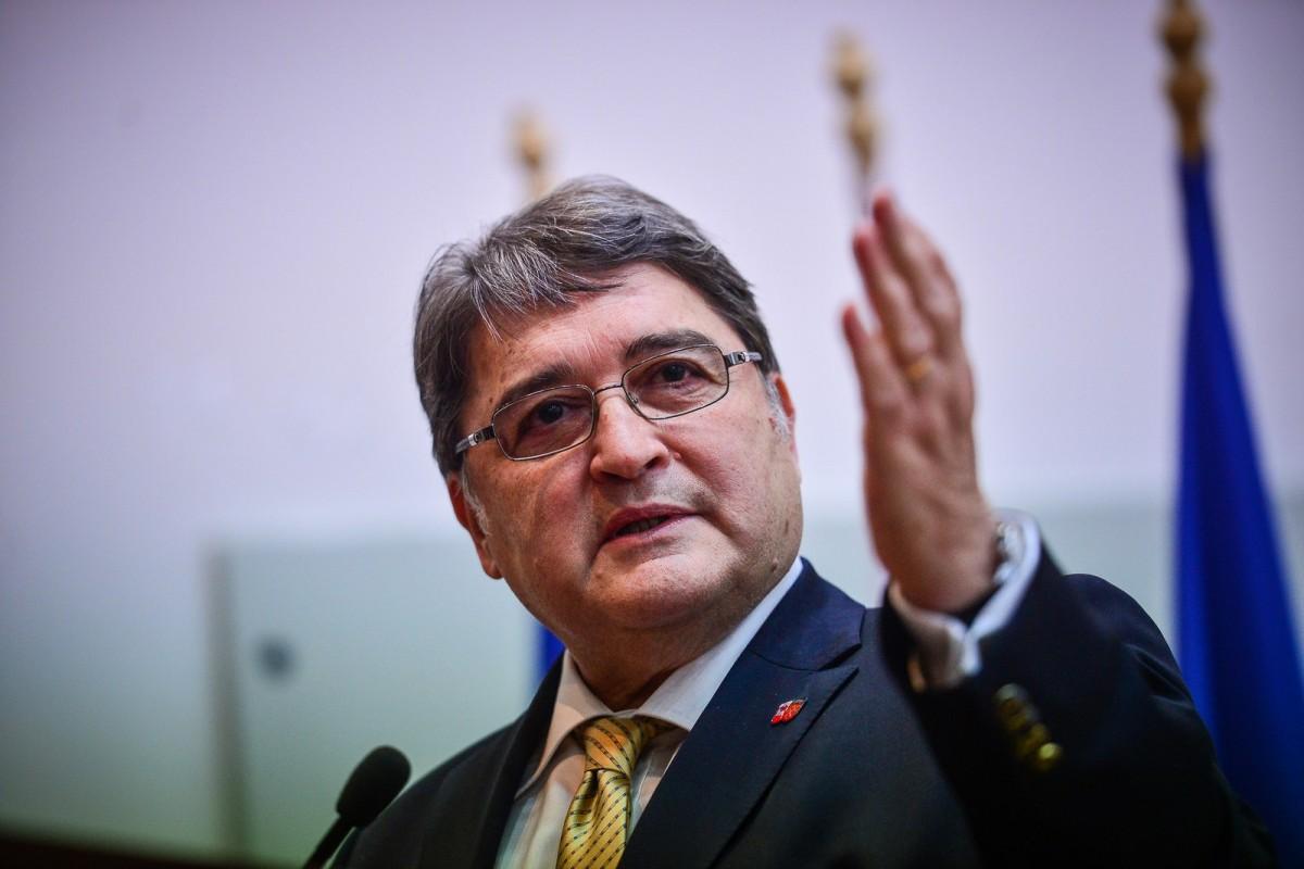 Iohannis a semnat rechemarea lui Emil Hurezeanu din postul de ambasador în Germania
