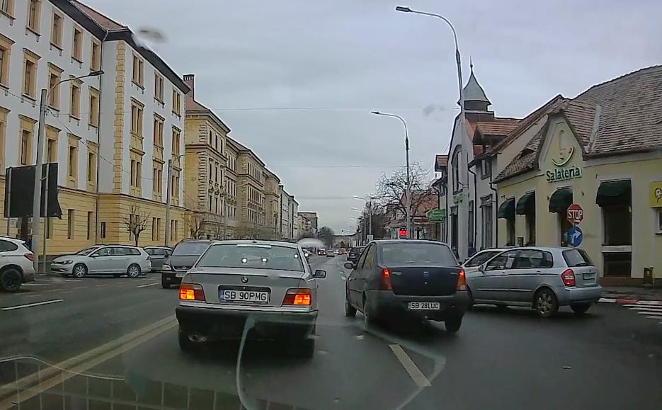 VIDEO-Cum se petrec accidentele în Sibiu. Nervi în trafic