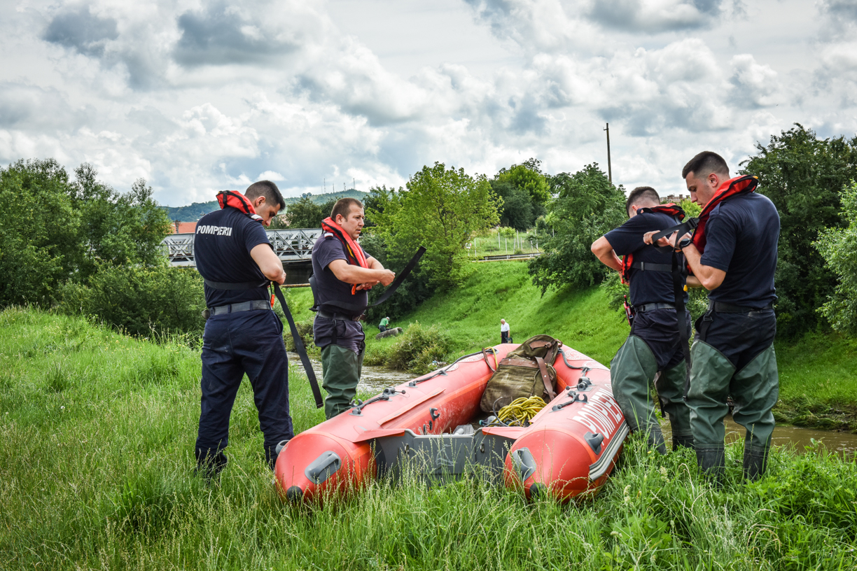 Bărbat căutat în râul Cibin. Victima unui caz de omor
