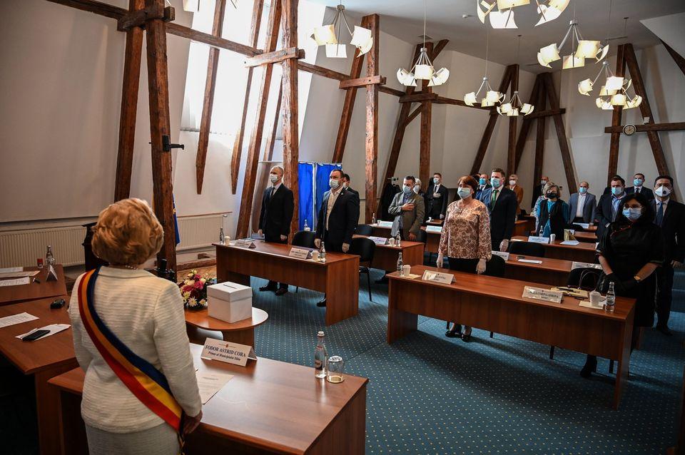 Primele reacții din Consiliul local pe tema taxei de salubrizare: USR PLUS cere amânare, PSD anunță vot împotrivă