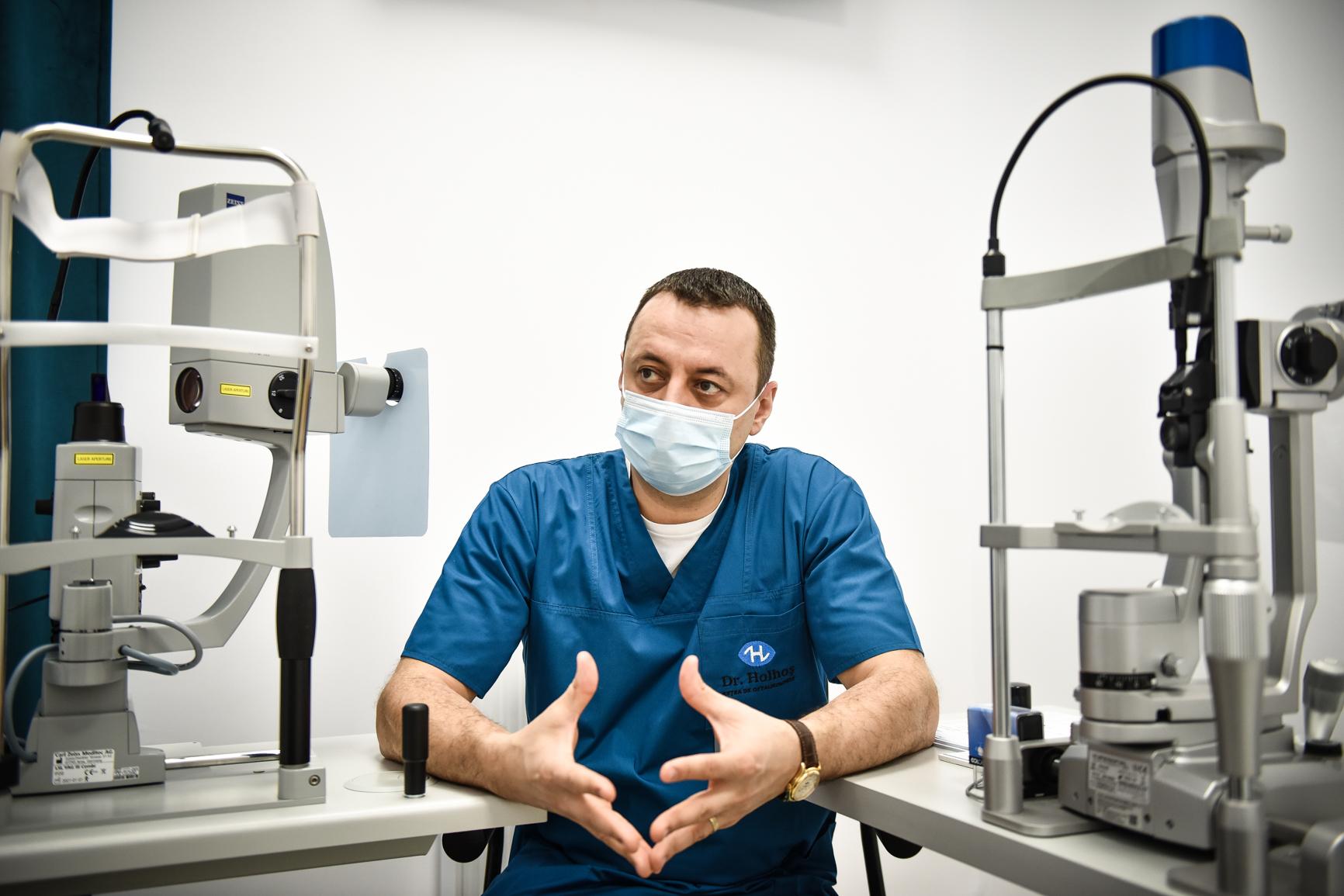 Oftalmologul Teodor Holhoș despre operațiile cu laser: Cel mai mare număr de operații pe care le-am făcut într-o singură zi a fost 66