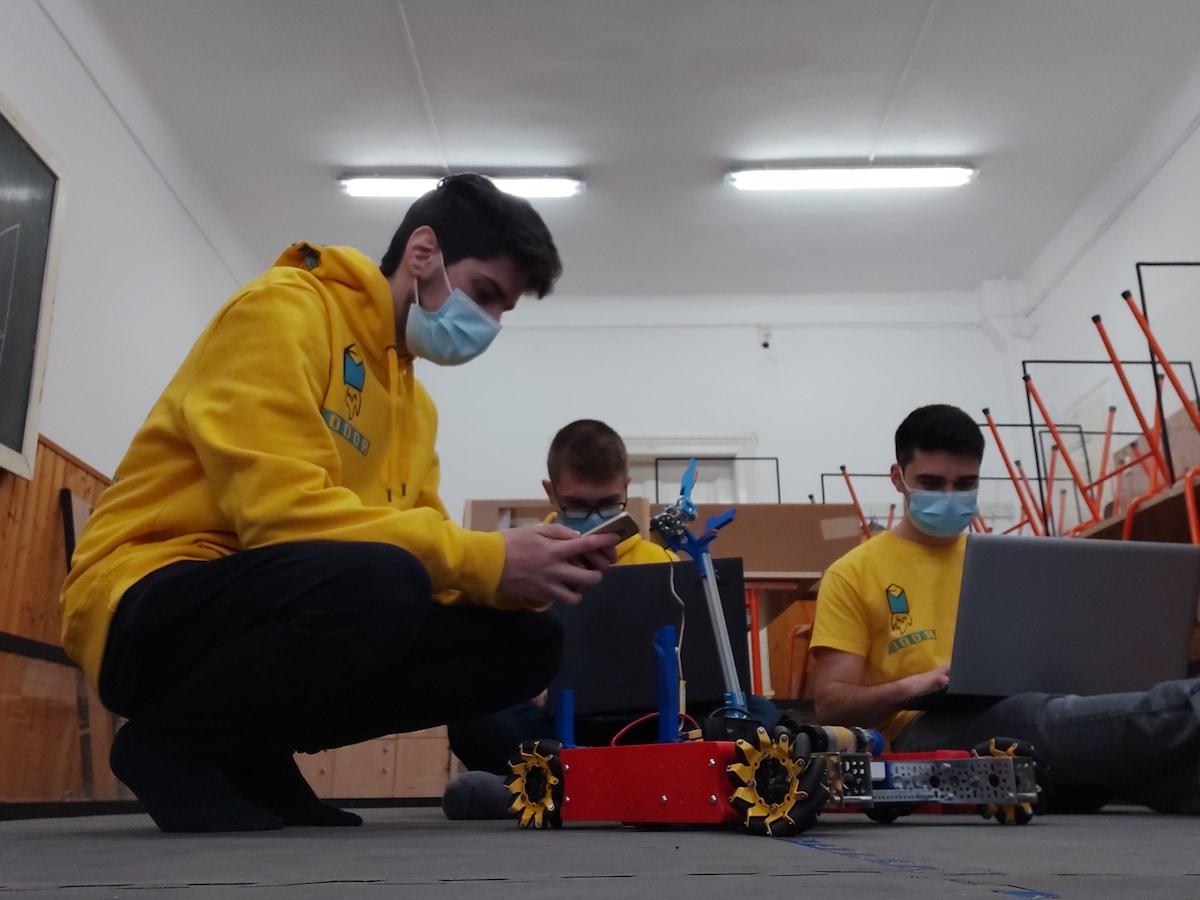 Maniacs Demo 2021. Turnirul roboților - organizat de Colegiul Brukenthal și Marquardt