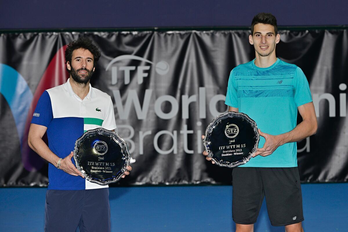 Sibianul Victor Cornea câștigă la dublu turneul ITF de la Bratislava. Primul titlu internațional al unui român, la masculin, pe 2021