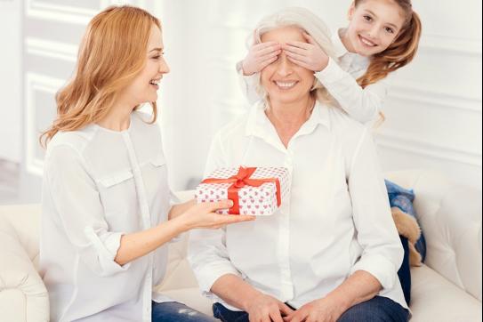 Idei de cadouri pentru femei in varsta