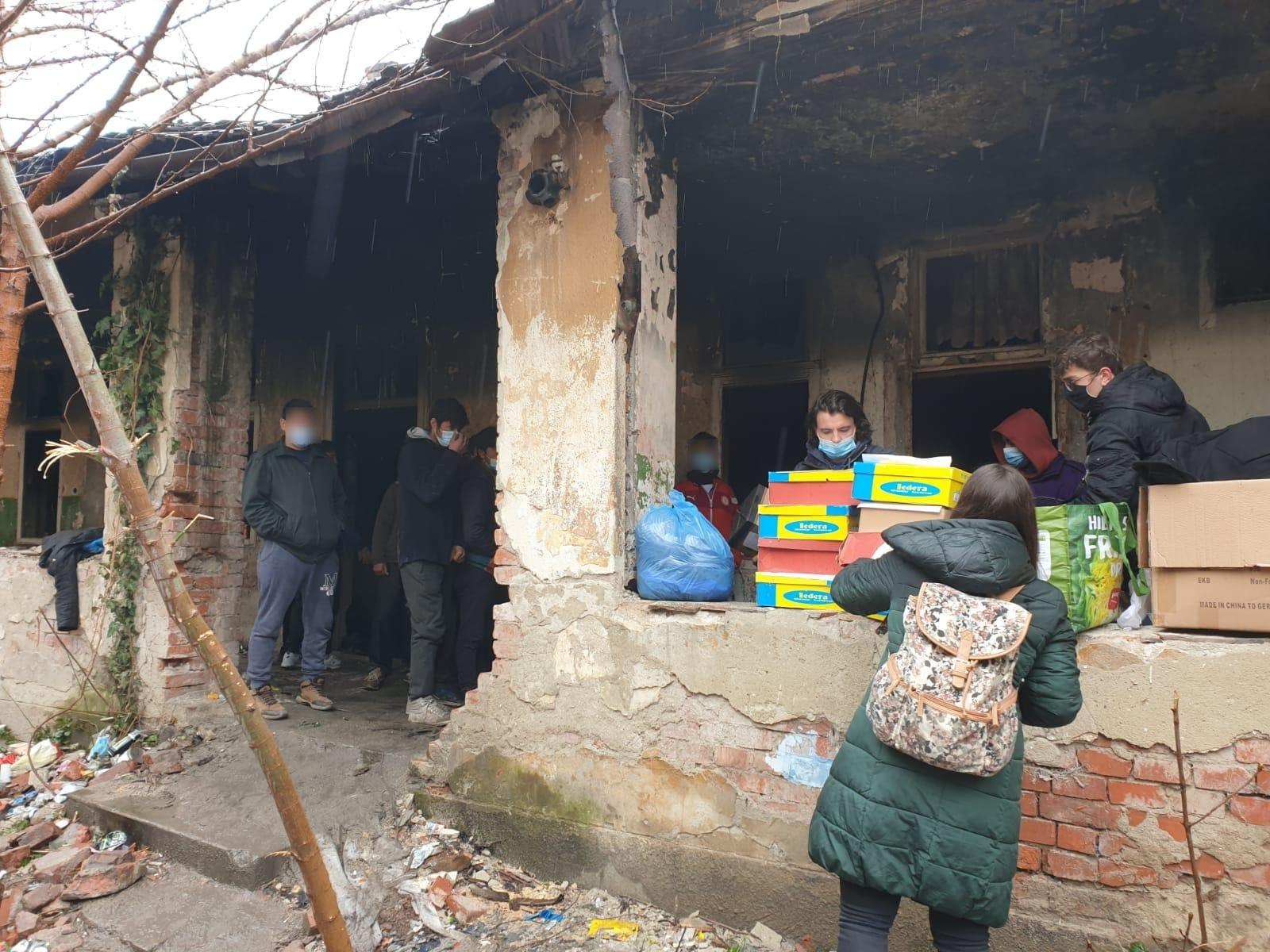 Apel ESI: Sibienii pot ajuta migranții din Timișoara donând pături în stare bună