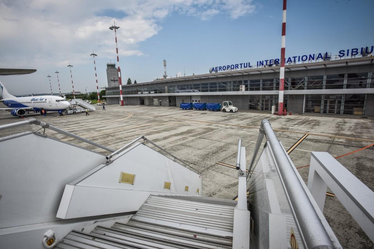 Șapte angajați ai Aeroportului Sibiu vor fi disponibilizați. Alte 13 posturi vacante - desființate