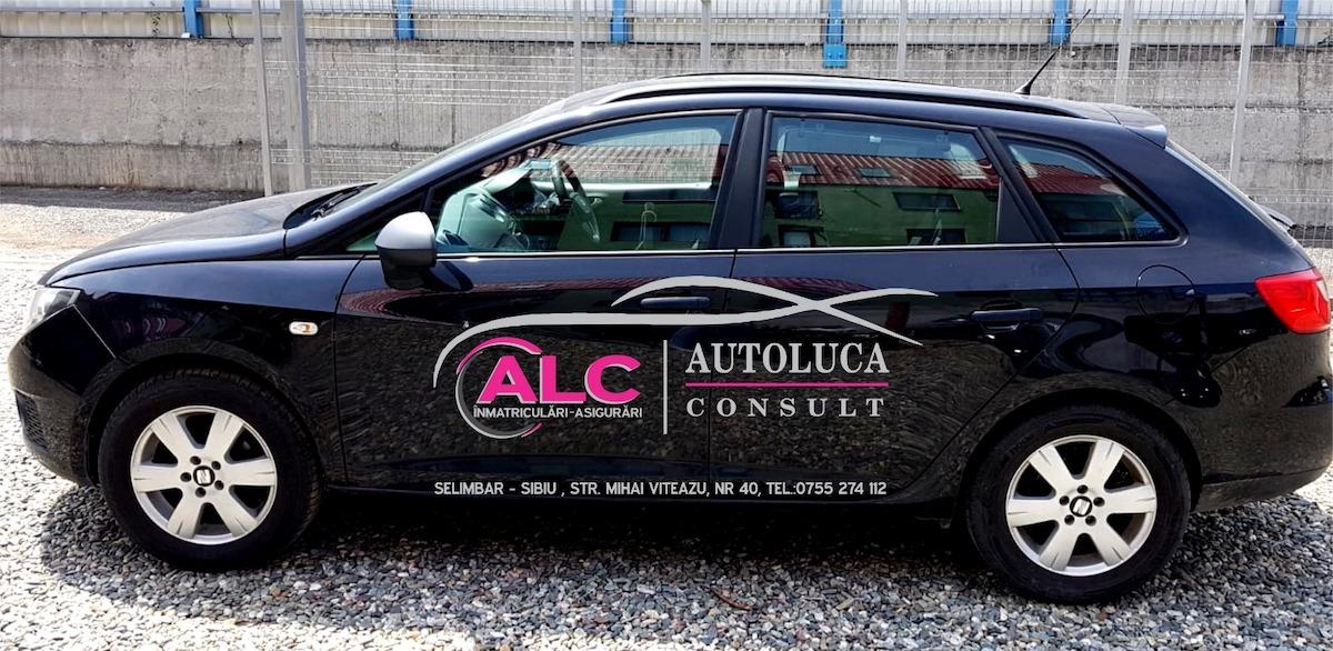 O sibiancă stă la toate cozile în locul șoferilor: contracte de vânzare, înmatriculare, RAR