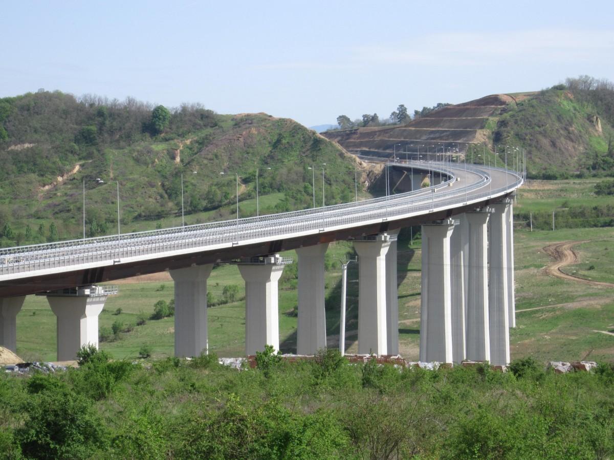 Încep notele de plată ale autostrăzii: 2,4 milioane de lei pentru acoperirea rosturilor viaductului folosit șase ani