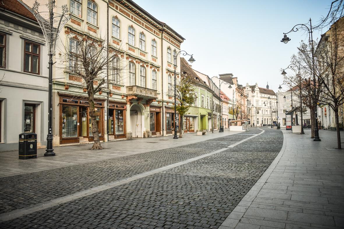 Noi restricții pentru Sibiu, Cisnădie și Șelimbăr: circulaţia în weekend va fi permisă până ora 20, iar magazinele se închid la ora 18