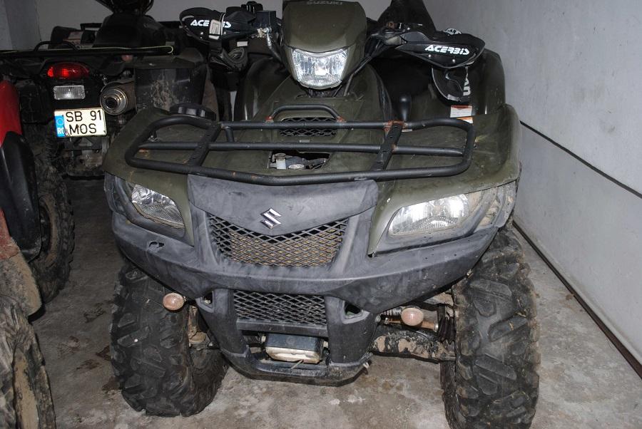 Un tânăr a ieșit cu ATV-ul fără să se asigure în DN 7, în fața mașinilor