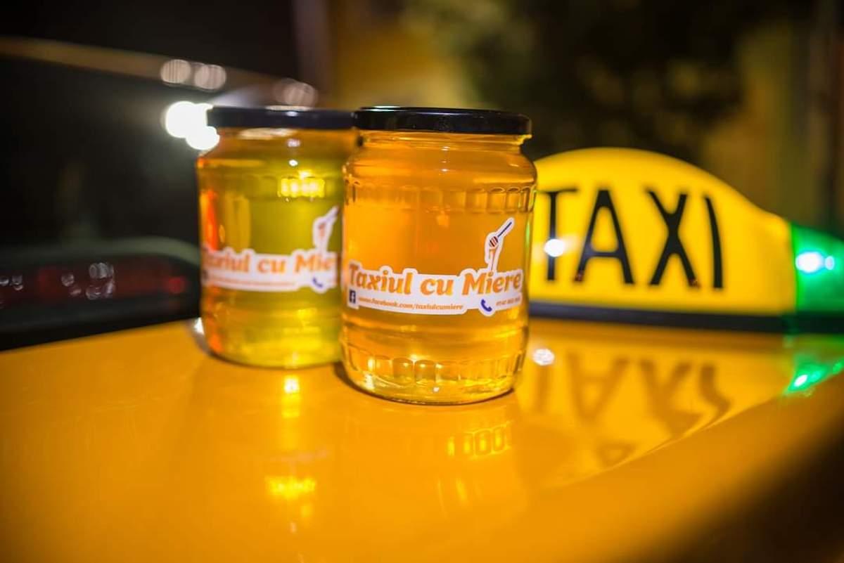 """Un tânăr vinde produse pe bază de miere, cu taxiul. """"Am devenit cunoscut odată cu pandemia"""""""