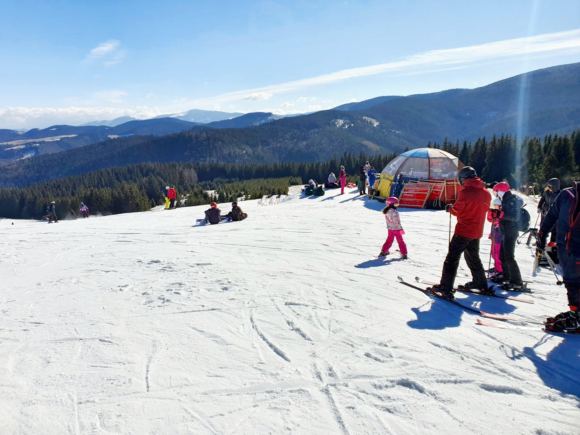 Pârtiile din Păltiniş rămân deschise cât timp mai există suficientă zăpadă