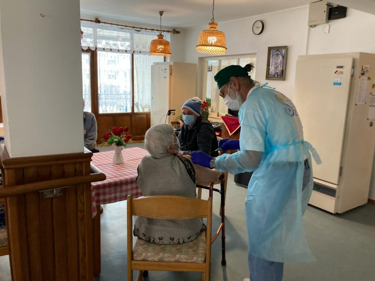 4,84% din populația Sibiului a avut COVID până acum. Vaccinurile au ajuns la peste 13,33% din populație