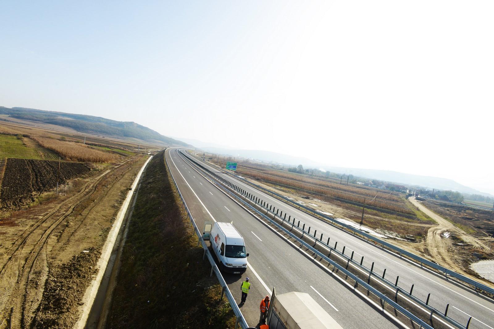 """Ministrul Transporturilor: """"Vom avea autostradă de la Sibiu la Bruxelles"""""""