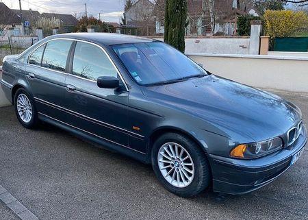 BMW 520d la 4.100 de lei. Fiscul sibian scoate mai multe mașini la vânzare