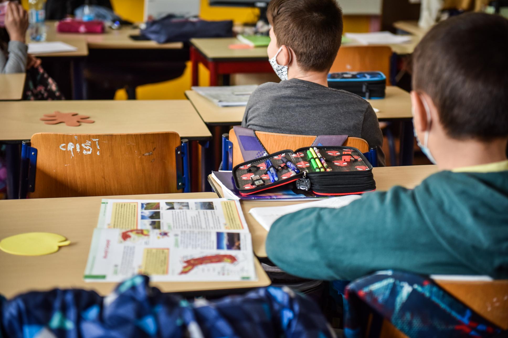 Peste 3.600 de elevi s-au înscris pentru ore remediale, majoritatea pentru a recupera materia pierdută