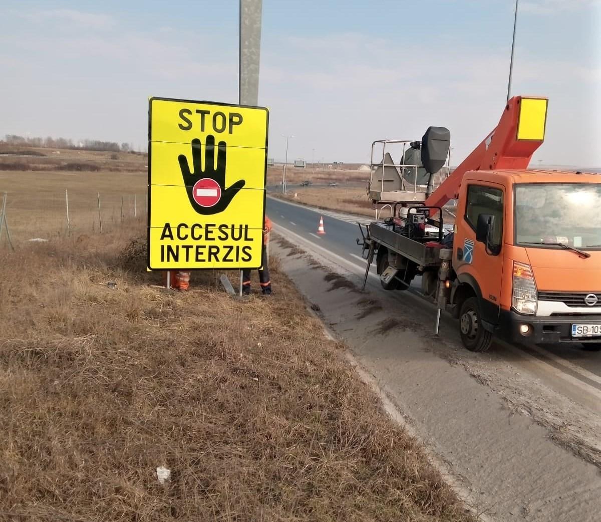 DRDP: Indicatoare amplasate în județul Sibiu pentru șoferii neatenți care intră pe autostradă pe contrasens