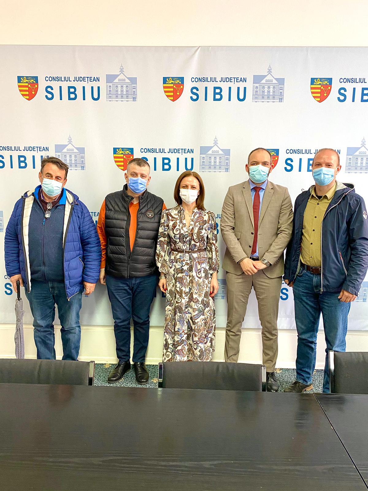 Problemele de la Păltiniș, discutate de Asociația Păltiniș Platoș cu conducerea CJ Sibiu