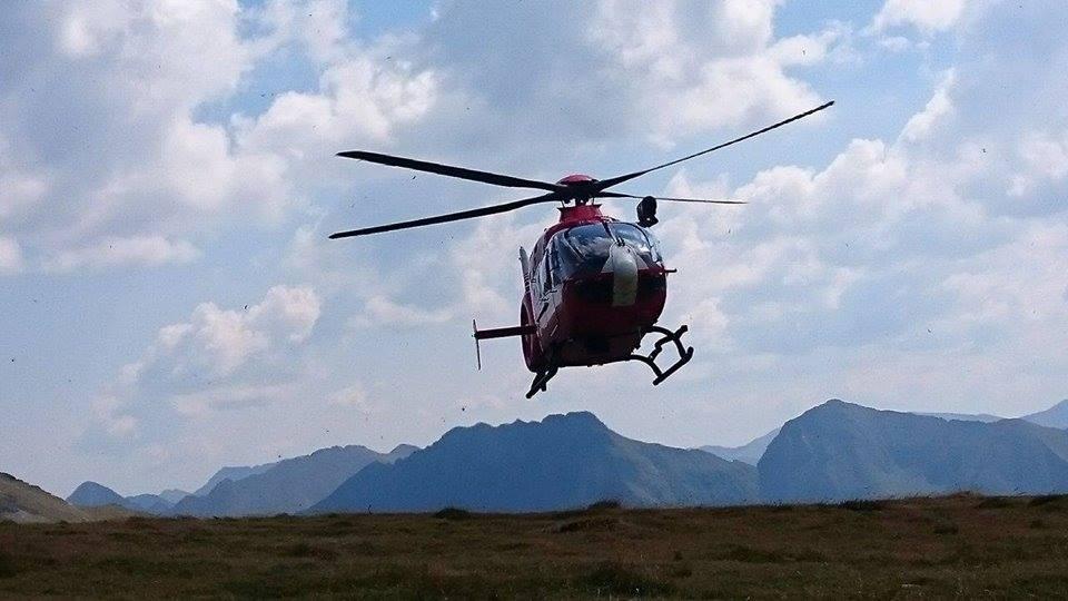Intervenție cu elicopterul SMURD. Un alpinist s-a accidentat azi-noapte, în Munții Făgăraș