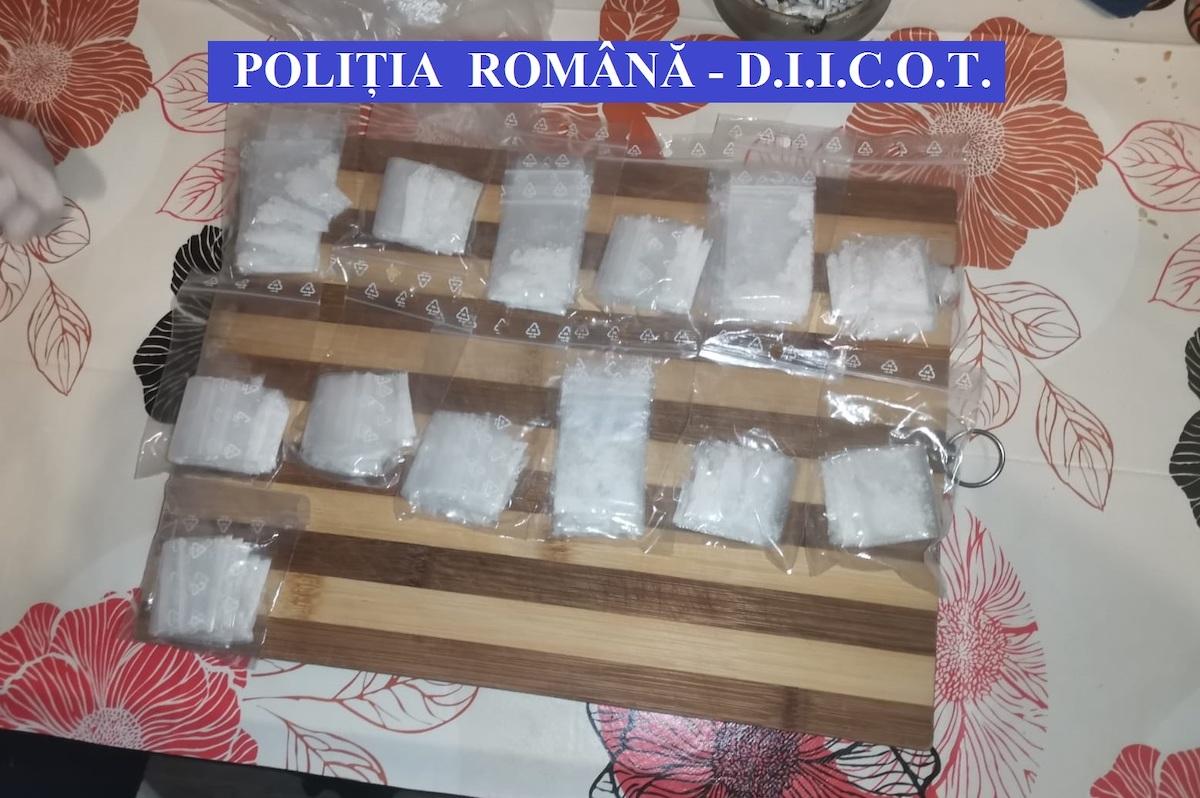 Percheziții de amploare în Sibiu, Cluj, Alba și Brăila, într-un dosar de trafic de droguri