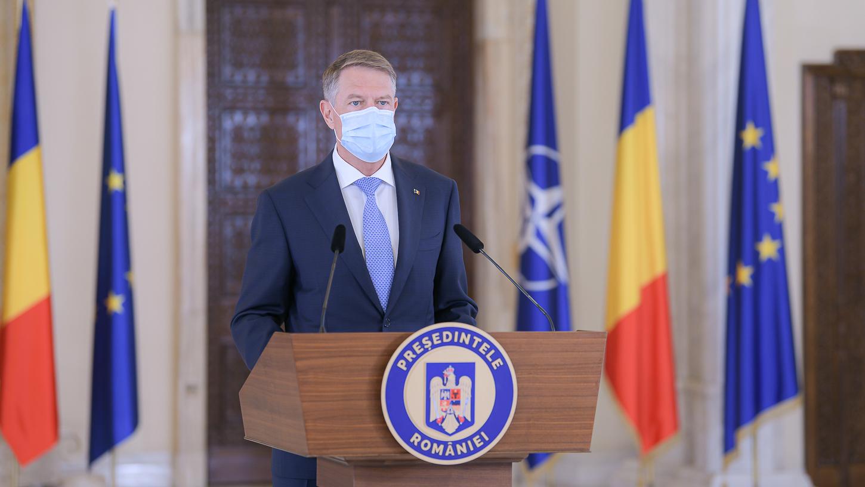 Iohannis: Vaccinaţi-vă! Haideţi să facem tot ce ţine de fiecare dintre noi pentru a avea o vară cu cât mai puţine restricţii