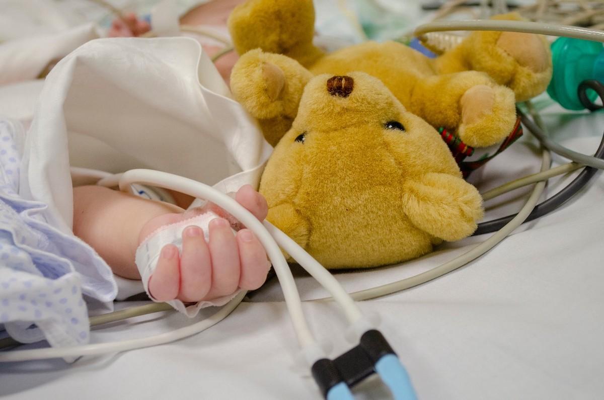 """Operațiile pe inimă pro bono, pentru copilași, continuă la Sibiu. """"Misiunea din mai va reprezenta un efort financiar enorm"""""""