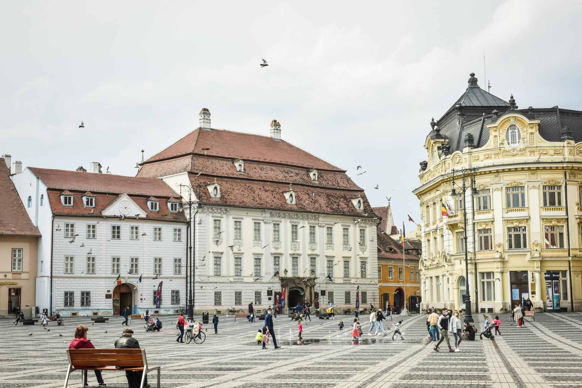 10 zile consecutive de scădere a incidenței în municipiul Sibiu. Rata de infectare scade și în Cisnădie și Șelimbăr