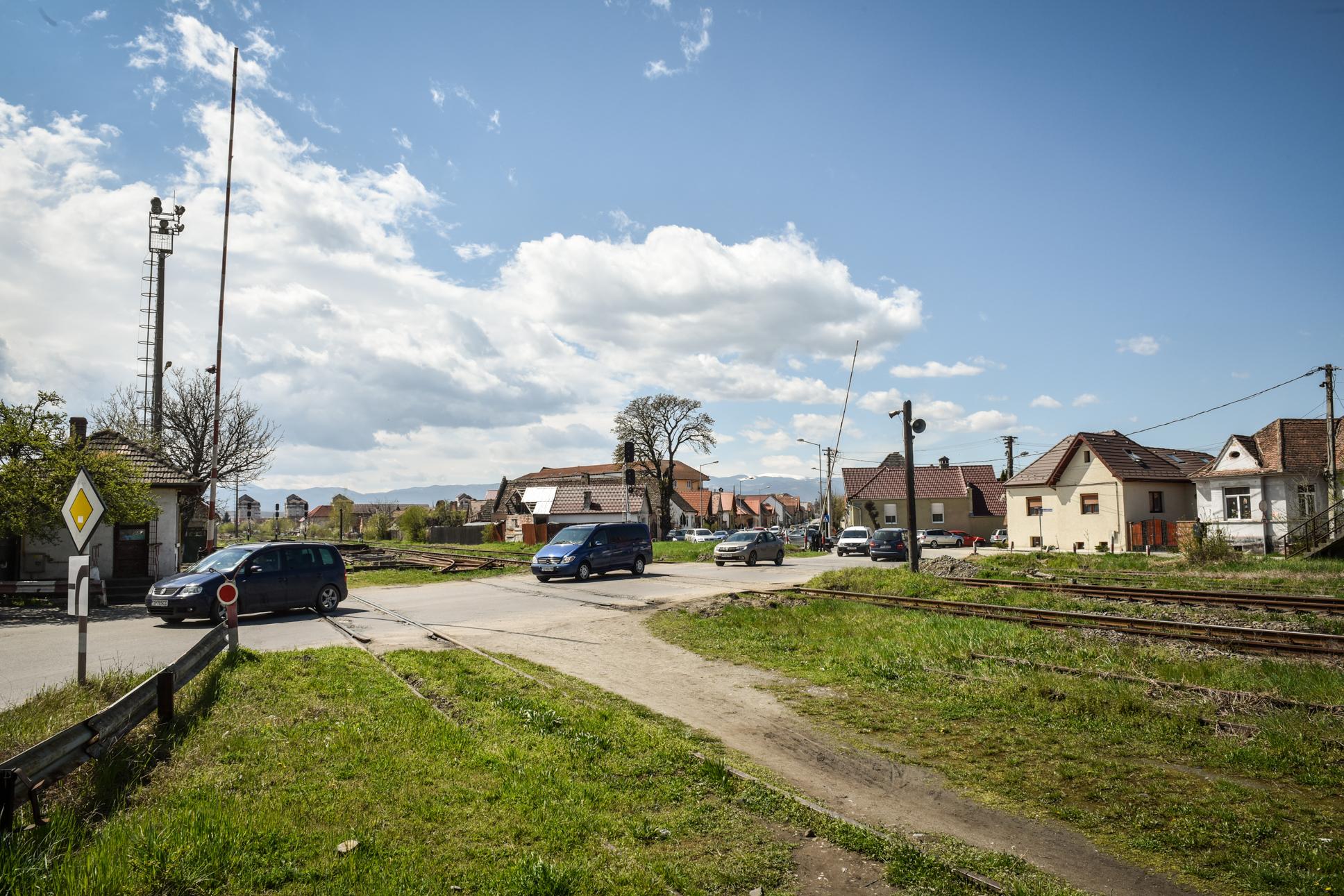 CFR: Bariera de pe Calea Turnișorului trebuia desființată de șase ani, Primăria Sibiu a solicitat menținerea ei