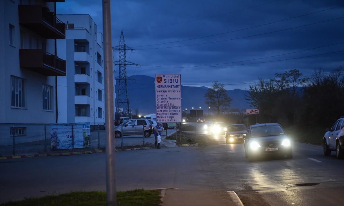 Tânără în stare gravă după ce a fost lovită de mașină, pe Calea Cisnădiei, la ieșirea din Sibiu