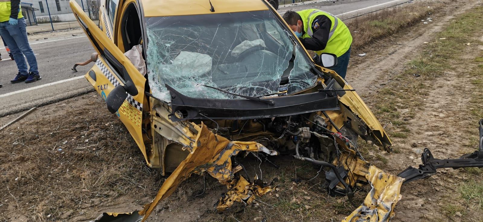 FOTO Trei persoane, decedate în urma accidentului de la Cristian. Femeia însărcinată e internată, în stare gravă