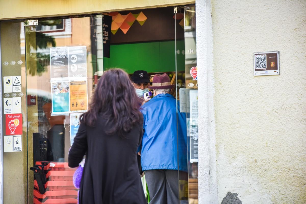 Trei magazine din Cisnădie au fost amendate ieri. Nu au respectat programul de funcționare în carantină