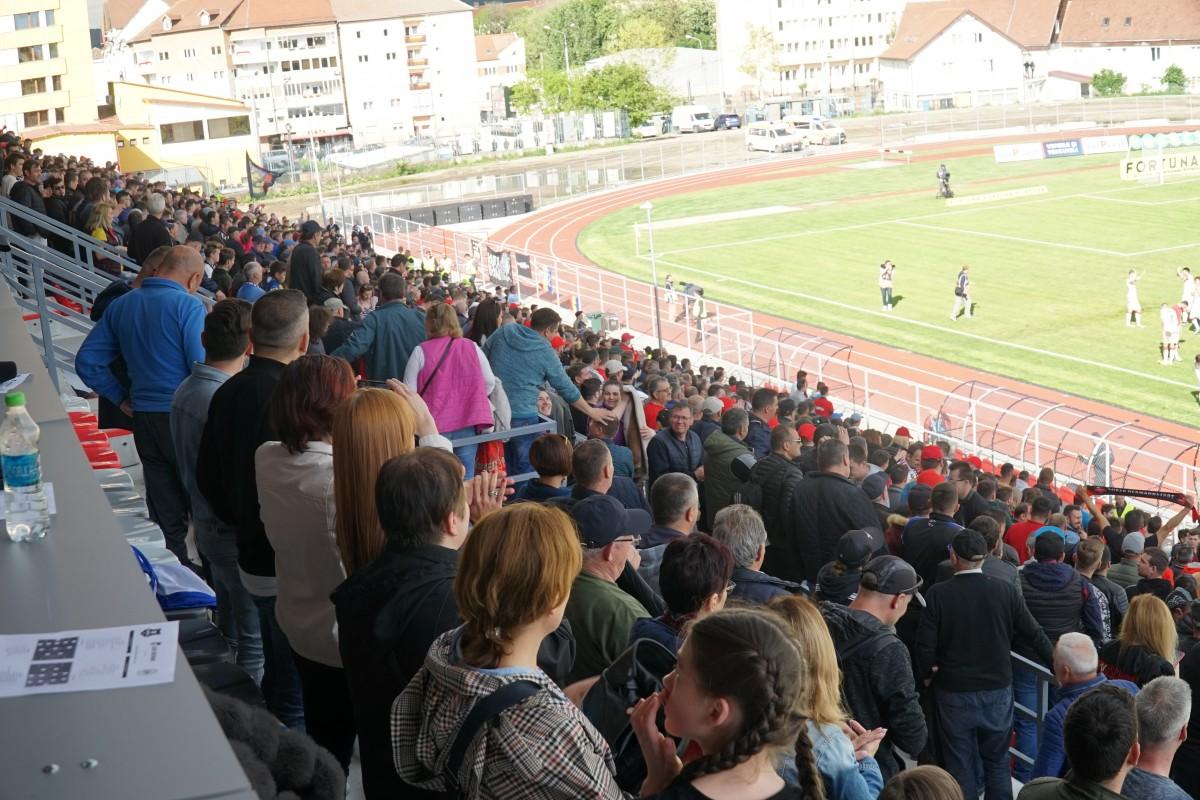 Ministerul Tineretului și Sportului anunță revenirea suporterilor pe stadioane, pentru început la Euro
