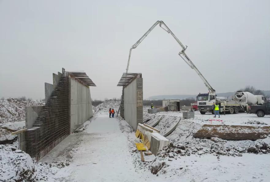VIDEO – Cât a progresat lotul 1 al autostrăzii Sibiu-Pitești în ultima lună