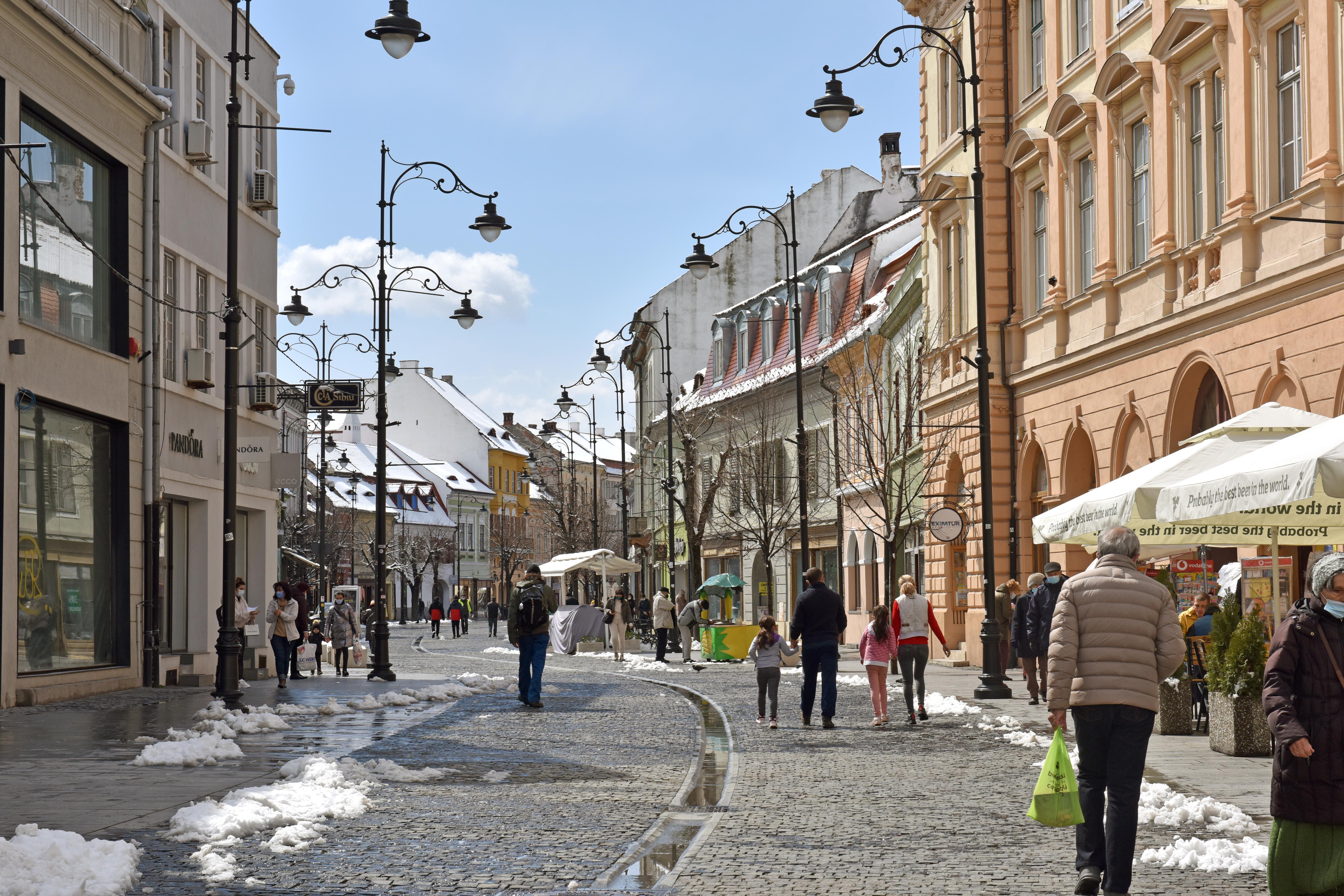 Incidența este în scădere în Cisnădie și Sibiu, dar crește în Șelimbăr. Situația în localitățile județului