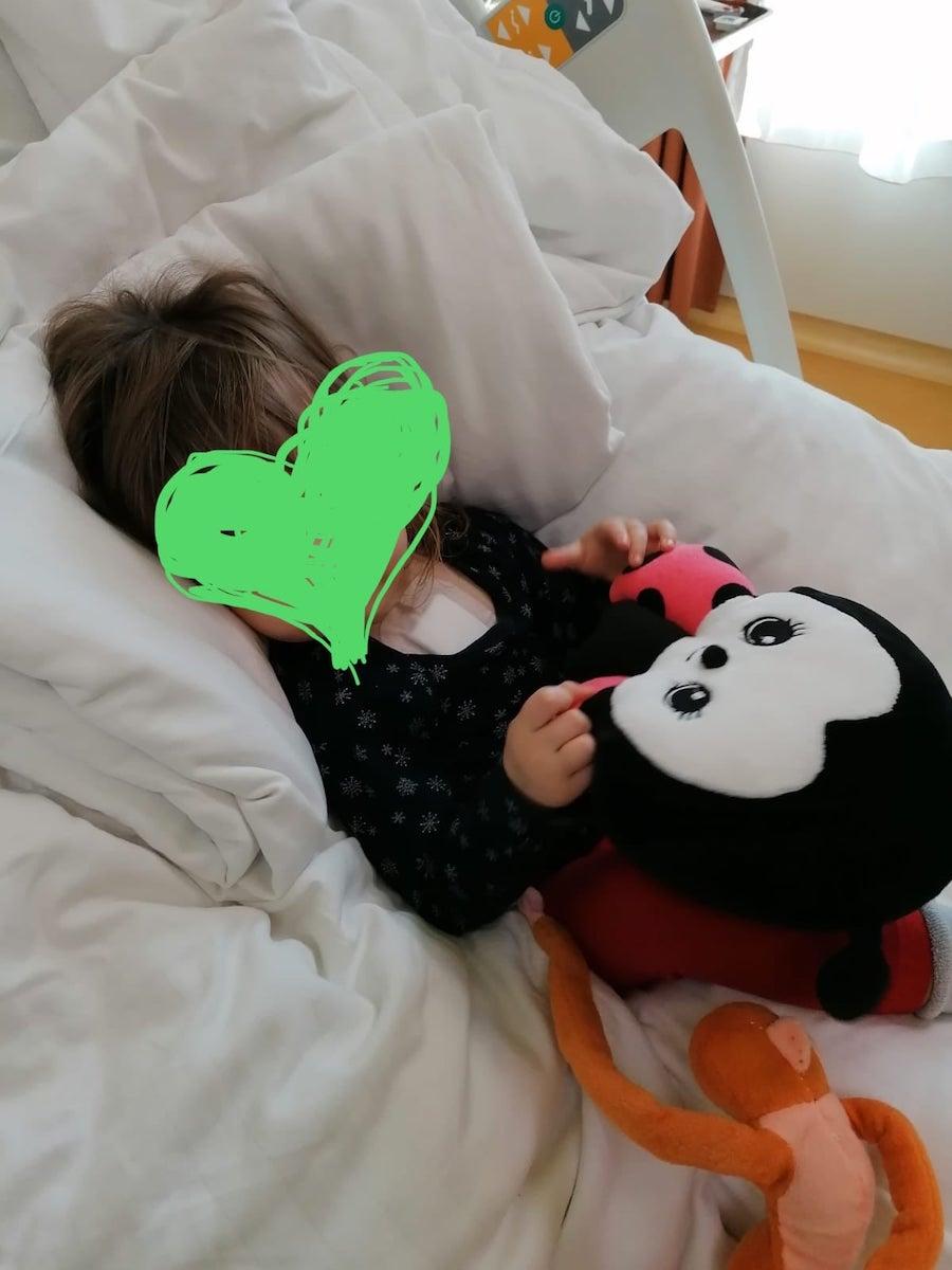 """Viața unei fetițe de nici trei ani a fost salvată de Echipa Inimii, de la Sibiu. """"E un suflet greu încercat"""""""