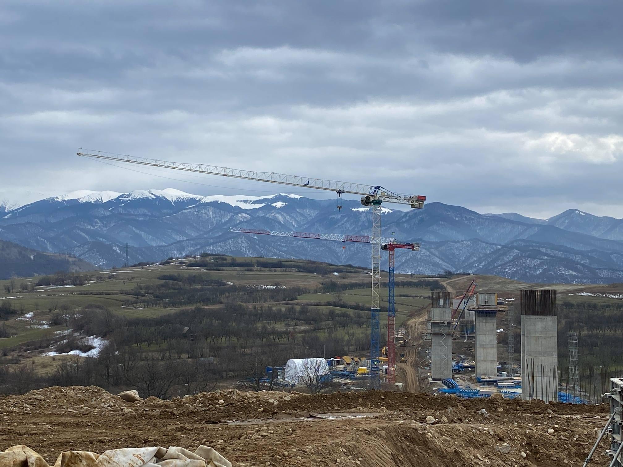 Cu cât a progresat șantierul lotului 1 de pe autostrada Sibiu-Pitești în aprilie